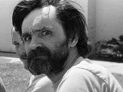 El criminal estadounidense Charles Manson en el Centro Médico de California, el 1 de agosto de 1980. En vídeo, 50 años obsesionados con la familia Manson.