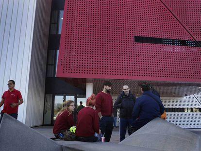 Entrada principal del Centro de Formación Profesional de la Automoción en Martorell (Barcelona).