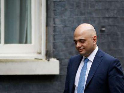 El ministro de Economía, Sajid Javid, dimite por su enfrentamiento con Downing Street