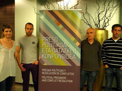 Presentación de la campaña en favor de los presos de ETA, en Bilbao.