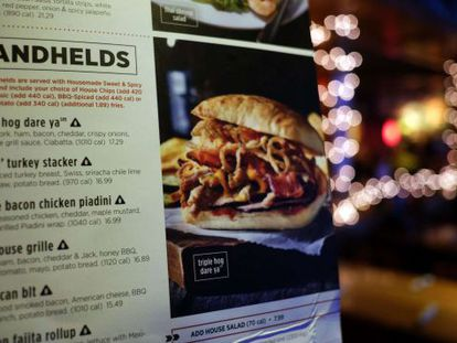 Menú del restaurante de la cadena AppleBee´s en Times Square.