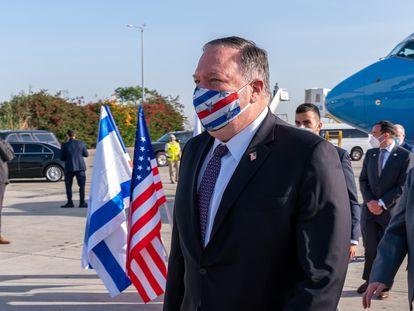 El secretario de Estado de EE UU, Mike Pompeo, el miércoles a su llegada al aeropuerto de Tel Aviv.