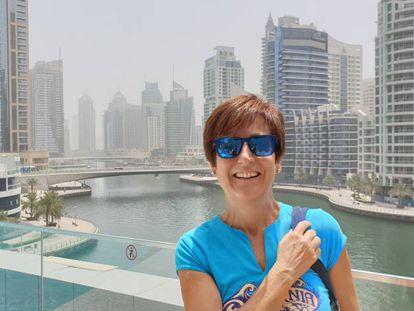 La periodista de EL PAÍS Ángeles Espinosa, en Dubái, en 2020.