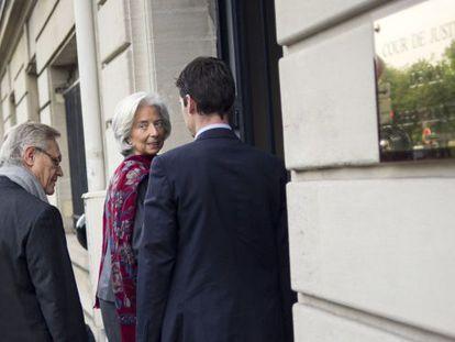 Lagarde, a su llegada este viernes a la Corte Judicial de la República, en París.