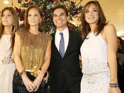Isabel Preysler junto a sus hijos Ana Boyer, Julio José Iglesias y Tamara Falcó, en diciembre de 2011 en Oviedo.