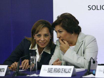 Josefina Vázquez Mota (izquierda) e Isabel Miranda de Wallace, durante un acto electoral.