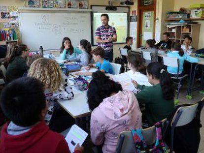 El ministerio incluye planes personalizados para que los alumnos repetidores puedan salir adelante. Se eliminan los itinerarios y Religión no computará en Bachillerato