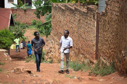 Morris Opiyo y Lawrence Okettayot, los inventores del deshidratador.
