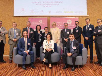 Miembros de la Cátedra de Empresa Familiar de la Universitat de Valencia durante la segunda jornada de 'Empresas familiares en el mundo'.