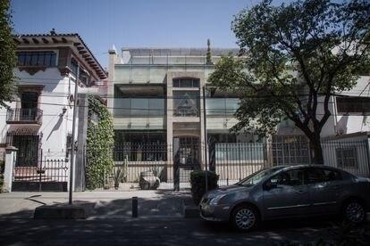 Fachada de la dirección Julio Verne 39, en la colonia Polanco, Ciudad de México el día 10 de marzo de 2021.