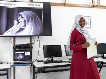 Asha y Fatma Abbas tienen 18 años y son las creadoras de Aurateen, una página web que permite a los adolescentes pedir consejos de forma anónima sobre sexo, drogas y alcohol, rompiendo algunos de los tabúes más arraigados en Tanzania
