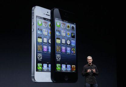 El consejero delegado de Apple, Tim Cook, presentó el nuevo iPhone en San Francisco