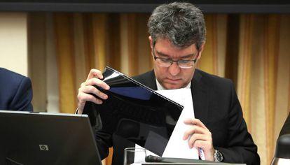 El ministro de Energia y Turismo, Alvaro Nadal en la Comision de Energia y Turismo en el Congreso de los Diputados.