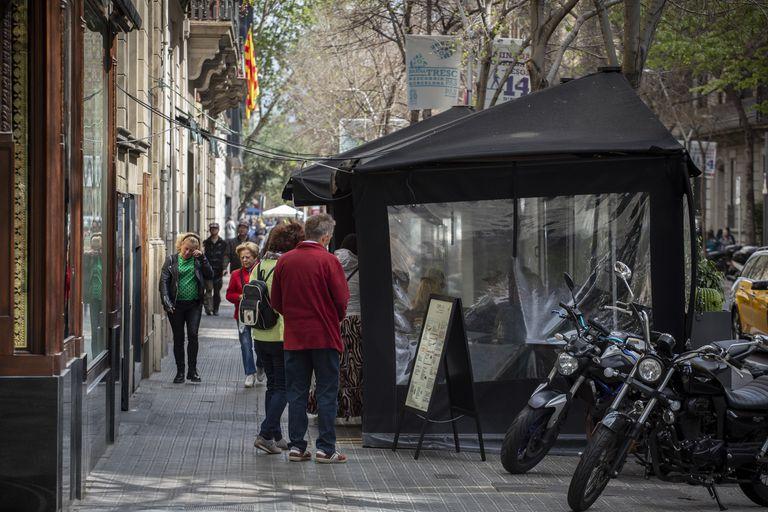 Una terraza  de la calle Diputació de Barcelona.