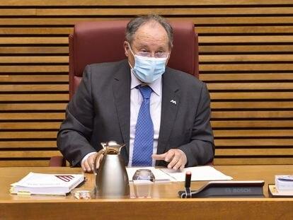 El director de la Agencia Valenciana Antifraude, Joan Llinares, el pasado 9 de febrero en las Cortes valencianas.