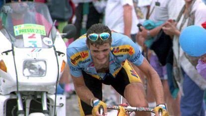 Eros Poli, subiendo el Mont Ventoux en 1994 en el Tour de Francia.