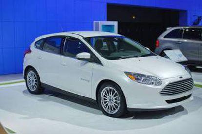 Stevens ha trabajado con varias compañías para desarrollar versiones eléctricas de sus vehículos, como este Ford Focus.