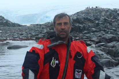 El investigador del CSIC Manuel Dall'Osto, en una expedición a la Antártida en 2017.