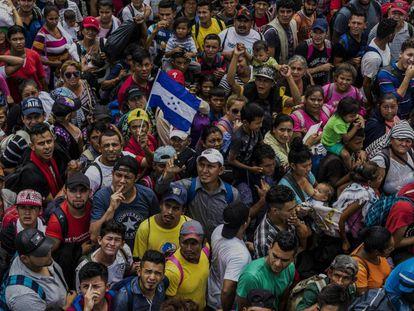 Miembros de la caravana migrante en su camino hacia EE UU.