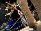 Una escena de la actuación de lucha libre mexicana ayer en San Sebastián de los Reyes.