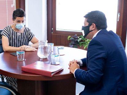 La ministra de Exteriores, Arancha González Laya, reunida con el ministro principal de Gibraltar, Fabian Picardo.