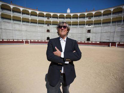 Simón Casas, en el ruedo de la plaza de Las Ventas.