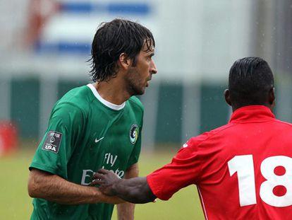 Raúl González, del Cosmos, durante el partido.