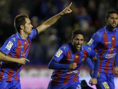 Michel celebra su gol al Melilla