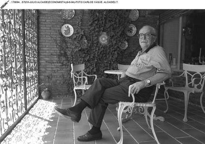 Julio Alcaide, economista y estadístico, en 1994.