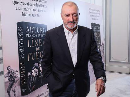 Arturo Pérez-Reverte, en la presentación de 'Línea de fuego', este martes en Madrid.