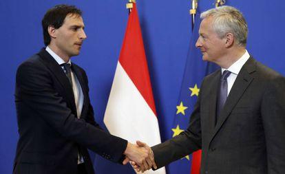 Los ministros de Finanzas de Holanda, Wopke Hoekstra, y de Francia, Bruno Le Maire