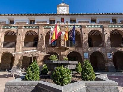 El Ayuntamiento de La Almunia, en la provincia de Zaragoza.