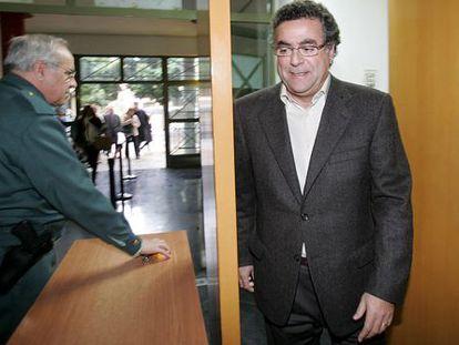 El promotor Enrique Ortiz en una de sus visitas a los juzgados de Alicante.