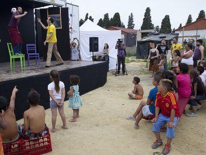 Un momento de la representación de 'Derrumbe', en El Vacie.
