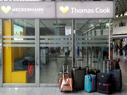Oficina cerrada de Thomas Cook en el aeropuerto de Fráncfort