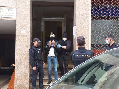 Detención de un hombre en una operación conjunta de Policía Nacional y Guardia Civil contra el tráfico de drogas, este martes en Vigo.