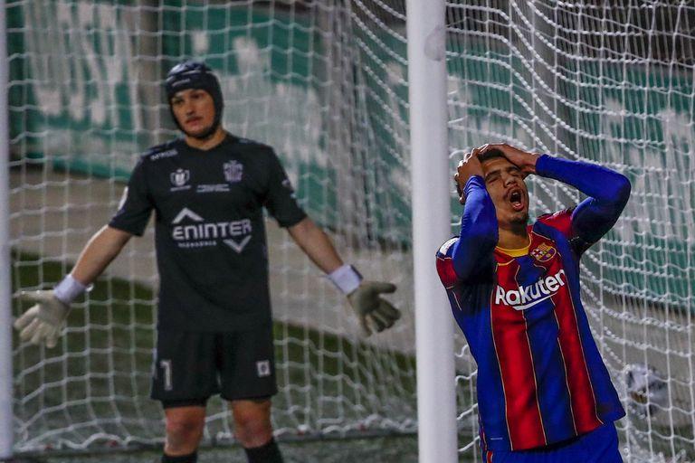 Araujo regrets a missed chance against Cornellà.