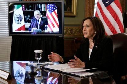 La vicepresidenta de Estados Unidos, Kamala Harris, y el presidente de México, Andrés Manuel López Obrador, el 7 de mayo.