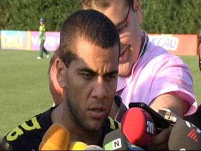 "Alves sobre Ibrahimovic: ""Quizá estaba enfadado o dolido"""