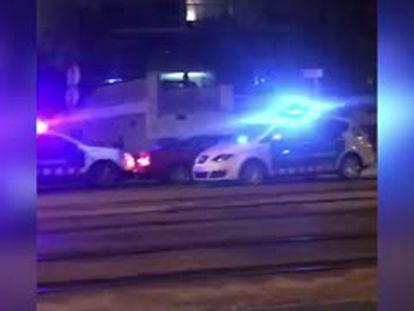 El momento en el que los Mossos interceptan al conductor que finalmente fallece tras la detención.