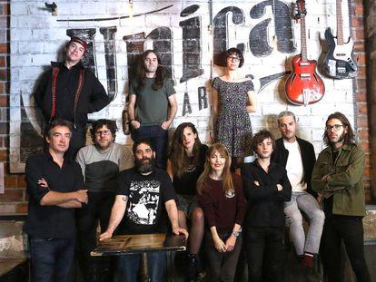 Miembros de varias bandas madrileñas: Anaut, Luis Brea y el Miedo Nudozurdo, Melange, Elyella, New Day, Las Odio, Trajano y Miss Cafeina.