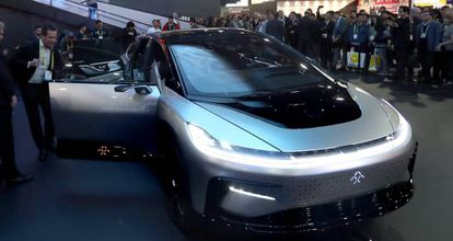El automóvil eléctrico completamente autónomo Faraday Future FF91.