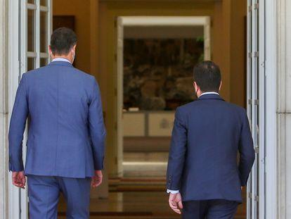 El presidente del Gobierno, Pedro Sánchez, recibe en el Palacio de la Moncloa al president de la Generalitat de Catalunya, Pere Aragonès, el 29 de junio de 2021, en Madrid (España).