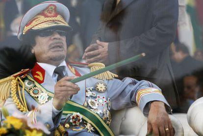 Gadafi, durante un desfile militar en la plaza Verde de Trípoli, en septiembre de 2009.
