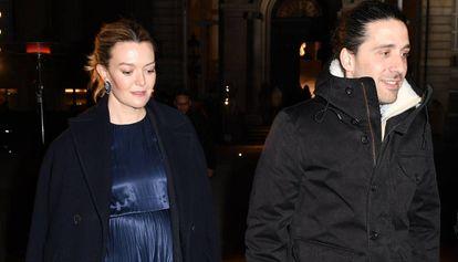 Marta Ortega y Carlos Torretta, a la salida del desfile de Valentino, en París.