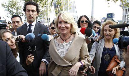 Esperanza Aguirre acude a declarar en septiembre de 2014.