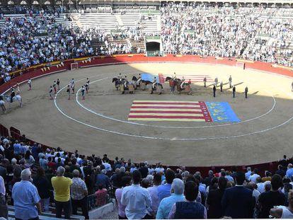 Tarde de toros en la plaza de Valencia.
