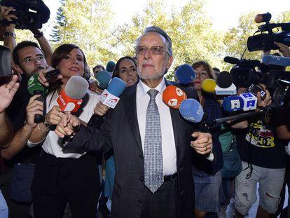 El exvicealcalde de Valencia Alfonso Grau llega a declarar como imputado.