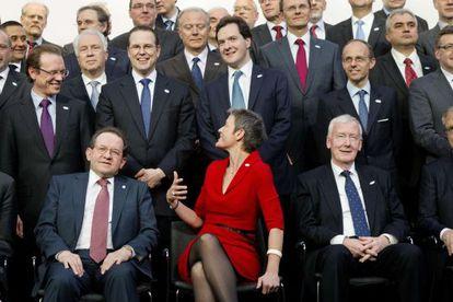 Foto de grupo del Gobierno danés con miembros del BCE y bancos centrales durante el Ecofin