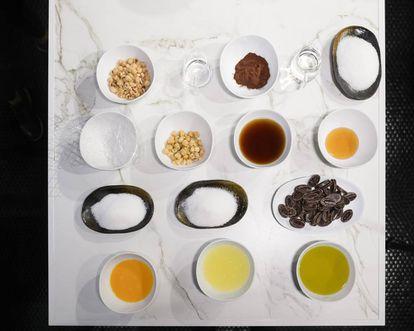 Ingredientes para la 'mousse' de chocolate.
